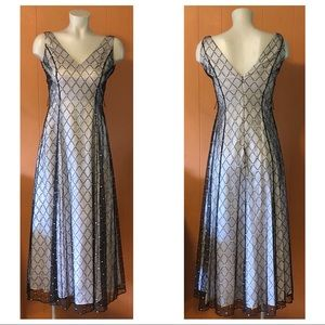 Papell Boutique Dresses - Papell Boutique Formal Evening V-Neck Dress, Sz 4